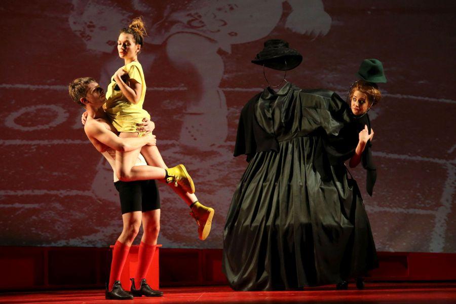 Ivona,   prinţesă de Burgund la Teatrul Aureliu Manea din Turda | © FOTO: Mircea Rosca / www.ActionFoto.ro