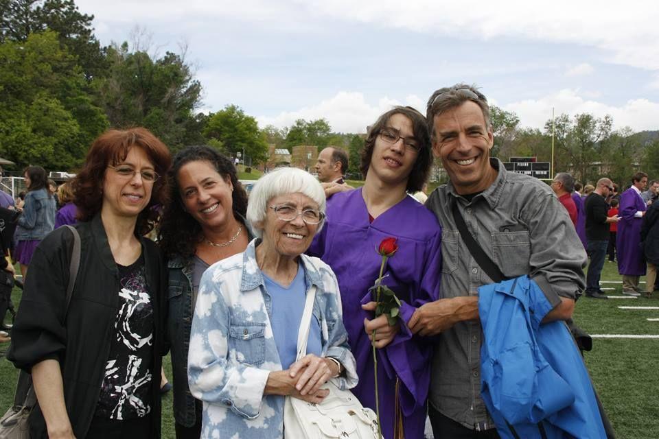 Radu Popescu,   alături de familie/Foto: Arhiva personală
