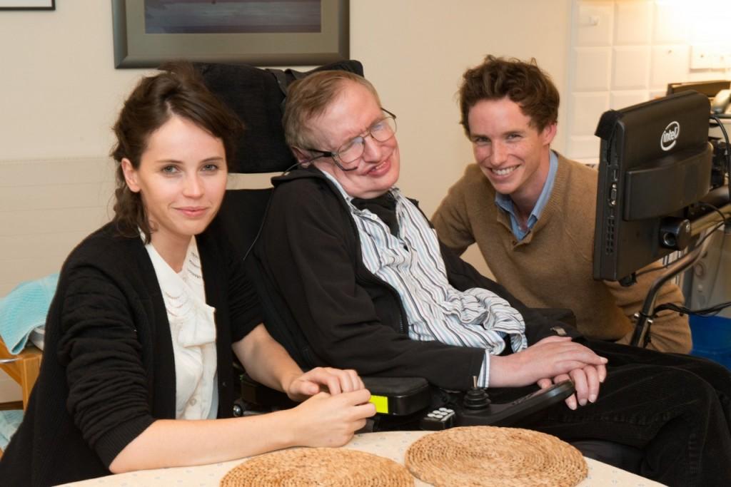 """Cel mai recent film inspirat din viaţa savantului este intitulat """"The Theory of Everything"""" şi este bazat pe cartea scrisă de Jane Wilde Hawking. În rolurile principale se află actorii Felicity Jones,   în rolul Jane Wilde,   şi Eddie Redmayne,   în rolul lui Stephen Hawking."""