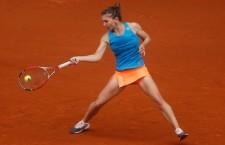 Simona Halep şi-a respectat statutul de favorită la Australian Open şi a eliminat-o uşor pe Karin Knapp în primul tur