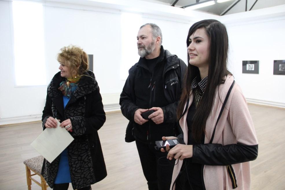 Alexandra,   alături de părinții ei/Foto: Dan Bodea