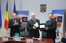 """Ceremonia publică de acordare a Titlului de Cetăţean de Onoare al Judeţului Cluj - """"Clujean de Onoare"""", fostului sportiv, Taşnadi Ştefan."""