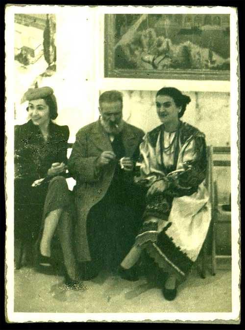 Maria Tănase şi Constantin Brâncuşi s-au îndrăgostit la o expoziţie la Paris,   în 1938,   dar relaţia a fost de scurtă durată,   deşi intensă. Cântăreaţa avea 25 de ani când l-a cunoscut pe artist,   care avea 62 de ani,   şi era fascinată de el.