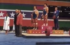Recunoaștere. După mai bine de 30 de ani de la obținere unor rezultate neegalate încă de vreun halterofil clujean,   Ștefan Tașnadi (foto locul 2 pe podiumul olimpic de la Los Angeles) are parte de onoruri binemeritate / Foto arhiva personală