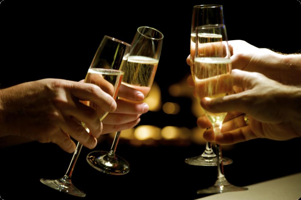 """Nu orice vin spumant este """"şampanie"""". Adevărata """"Champagne"""" vine din regiunea cu acelaşi nume din Franţa şi este produsă după reguli specifice şi stricte."""