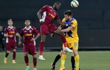 Gregory Tade a avut două bune ocazii de a înscrie în poarta Petrolului, dar a ratat de puțin ținta și CFR a pierdut încă un meci în Liga 1 / Foto: Dan Bodea