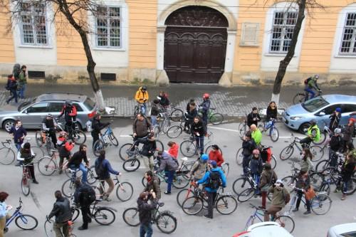 Bicicliștii au susținut Ocuppy UBB