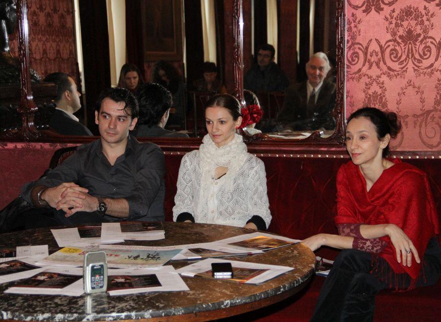 De la dreapta,   la stânga: Felicia Șerbănescu,   Andreea Jura și Dan Haja/Foto: Dan Bodea