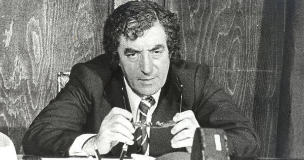 În fatidica seară de 4 martie 1977 şi-a pierdut viaţa şi Toma Caragiu,   unul dintre cei mai mari actori ai scenei româneşti; artistul ieşise pe scara blocului ca să îşi conducă un bun prieten,   pe regizorul de televiziune Alexandru Bocăneţ. Ambii au fost prinşi şi ucişi sub dărâmături.
