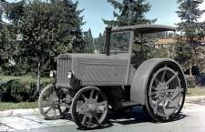 IAR 22 este primul tractor românesc,    produs în 1946