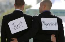 Europarlamentarii români sunt heterosexuali la Bucureşti şi homosexuali la Bruxelles