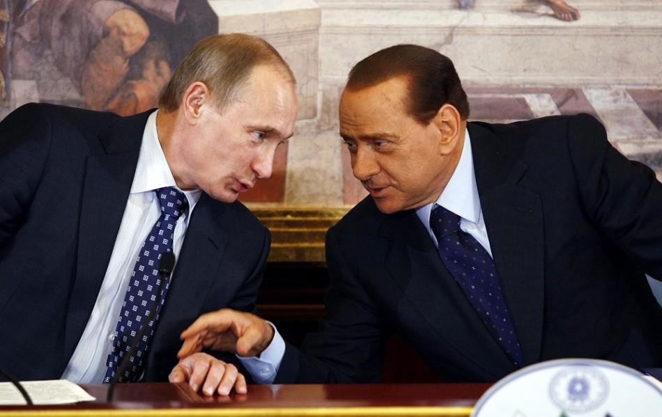 """Silvio Berlusconi este prieten bun cu Vladimir Putin,   pe care l-ar fi învăţat """"secretul"""" pentru a arăta mai tânăr: botoxul."""