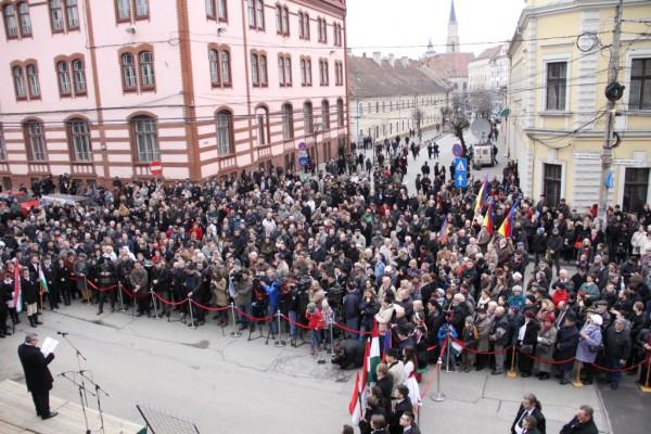 Ceremonia din fața fostului hotel Biasini / Foto: Dan Bodea