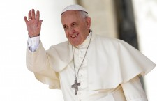 Francisc este primul iezuit care ocupă Sfântul Scaun,   este primul Papă din America Latină şi totodată primul Papă non-european de mai bine de 1.000 de ani.