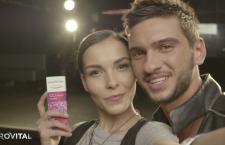 Învață să faci selfie-uri perfecte cu Farmec și artistul Dorian Popa! (P)