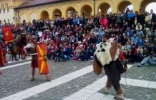 Romanii şi dacii din TDA,   în campanie la Apulum / Foto: Daniel Barna