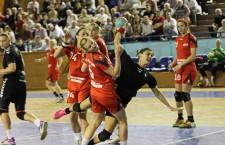 """Handbalistele de la """"U"""" Alexandrion au ratat prezenţa în play-off,   dar fac legea în play-out / Foto: Dan Bodea"""