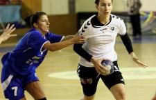 Cristina Laslo a fost,   cu 10 goluri înscrise,   cea mai bună marcatoare a echipei clujene în meciul de la Slobozia / Foto: Dan Bodea