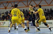 Învinși la 9 goluri diferență de Dinamo,   în primul meci al finalei mici a Ligii Naționale,   handbaliștii de la Potaissa Turda și-au luat gândul de la medalii / Foto: Dan Bodea