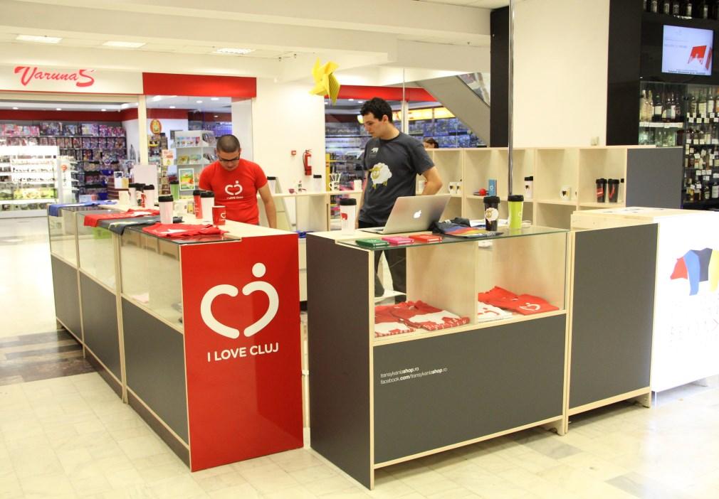 Colecția de produse I Love Cluj și Transylvania Beyond se găsește la parterul magazinului Central/Foto: Dan Bodea