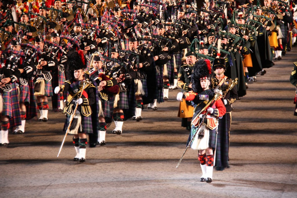 24_Edinburgh-Tattoo-02