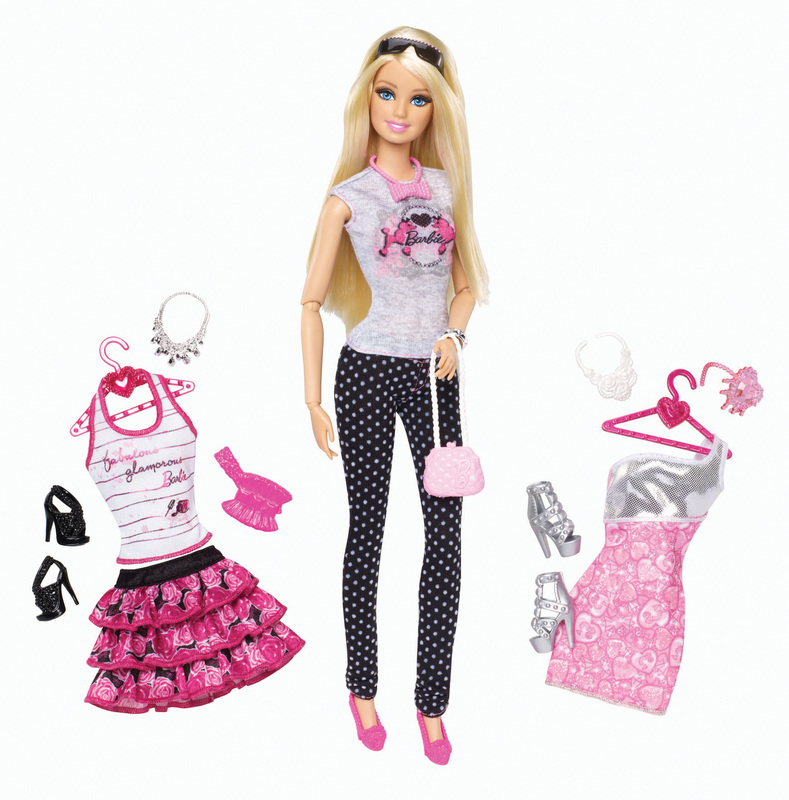 Barbie are o mulţime de meserii şi o garderobă impresionantă. În jurul ei există o adevărată industrie a accesoriilor.
