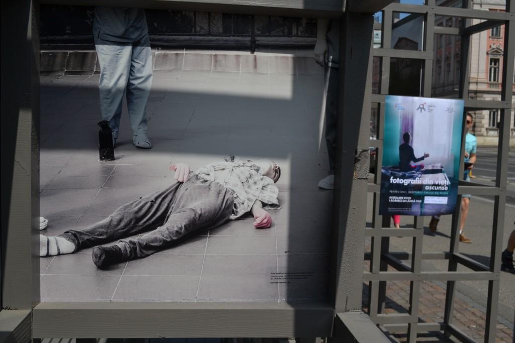 Expoziția cuprinde peste 120 de fotografii surpinse de foto-documentarista Odeta Catană / Foto: Maria Man