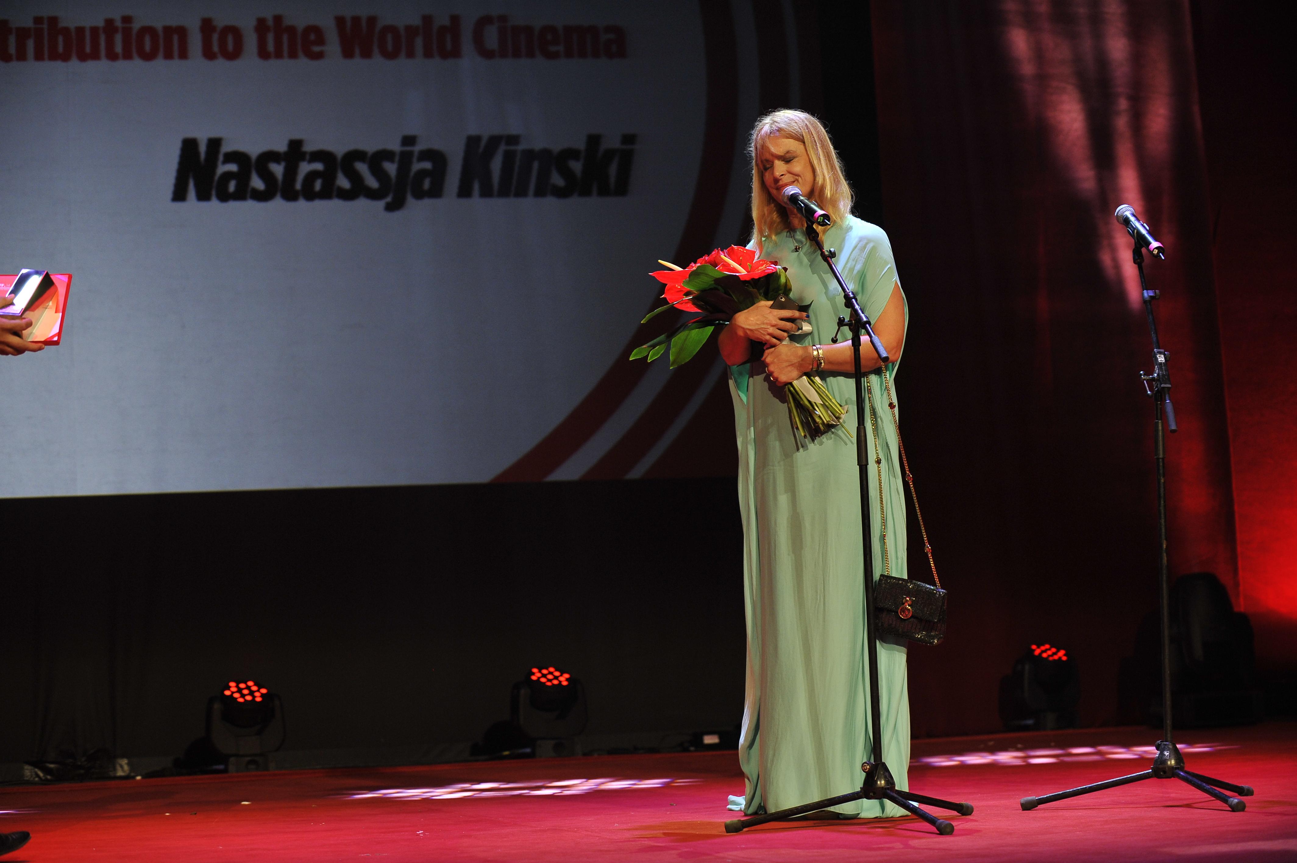 Nastassja Kinski a purtat o rochie semnată Dorin Negrău