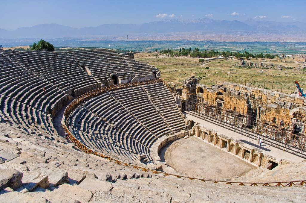 Theatre_in_Hierapolis_5