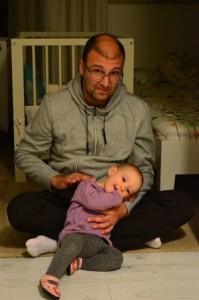 Artur, împreună cu fetița sa, Carolina/ Foto: arhiva personală