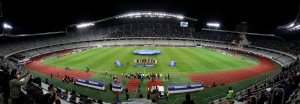 Deși este unul dintre cele mai moderne stadioane din țară,   Cluj Arena a fost ignorată mereu de oficialii FRF care au preferat să organizeze evenimentele majore pe alte stadioane,   vezi cazul arenei Farul,   gazda Supercupei României 2015