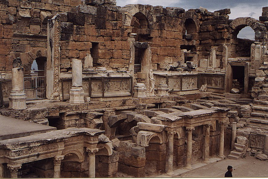 hierapolis-anfi-theatre_06