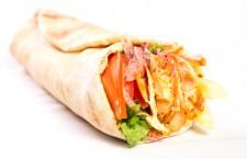 Shaorma, pizza şi ciorbele în topul mâncărurilor comandate la birou de clujeni