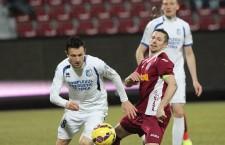 Căpitanul CFR-ului,   Ciprian Deac (foto,   în vişiniu) a ales să joace din sezonul viitor în Kazahstan,   la campioana FK Aktobe / Foto: Dan Bodea