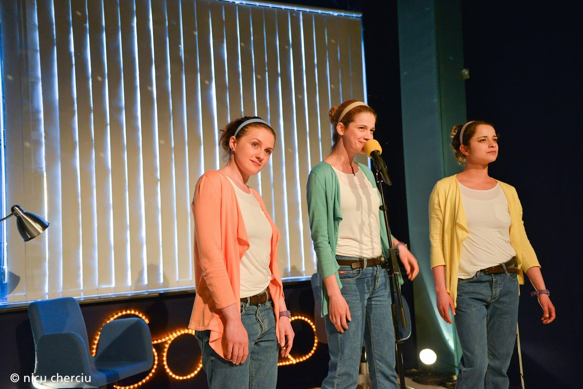 Diana Buluga,   alături de Sânziana Tarța și Alexandra Tarce,   în American Dream,   spectacol regizat de Leta Popescu/Foto: Nicu Cherciu