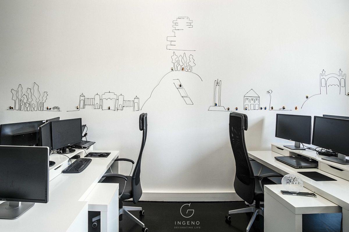 O lucrare de mari dimensiuni realizată recent este profilul Clujului de cinci metri lungime și un metru înălțime pe care l-a creat pentru o firmă din Cluj