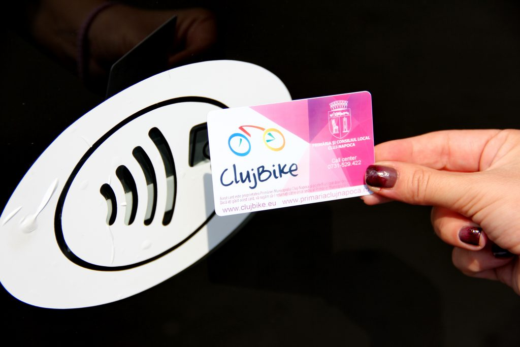 Cardul Bike Sharing  poate fi ridicat la sediul central al Primăriei Cluj-Napoca sau la unul dintre sediile de cartier / Foto: Dan Bodea