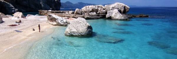 Spiaggia dei conigli  (Plaja Iepurilor),   din Italia – cea mai frumoasă plajă din lume în 2013.