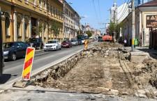 Începe asfaltarea străzii Moţilor