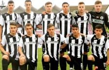 Marco Dulca (foto, al treilea în rândul de sus, de la dreapta la stânga) a semnat pe doi ani cu gruparea din Premiere League, Swansea