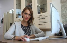 """""""De multe ori când spun cu ce mă ocup văd mirare pe chipul interlocutorului. Oamenilor nu le vine să creadă că există un astfel de serviciu în Cluj"""", Roxana Oltean, Avantaj Delivery."""