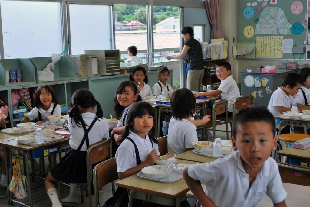 """Japonia a lansat în școli un proiect pilot revoluţionar,   numit """"Schimbarea Vitejească"""",   care pregăteşte copiii ca """"cetăţeni ai lumii""""."""