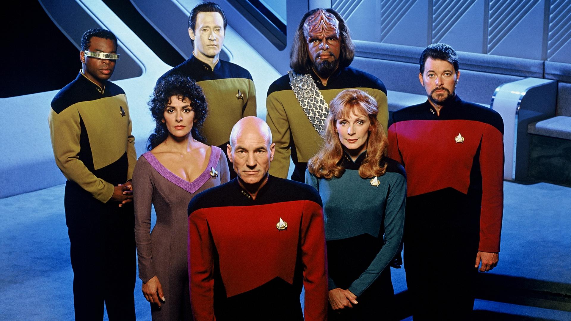 """Distribuţia serialului """"Star Trek: The Next Generation"""",   celebru în anii '90."""