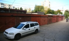 Primăria vrea să demoleze 471 de garaje şi să ridice în loc 5 parkinguri