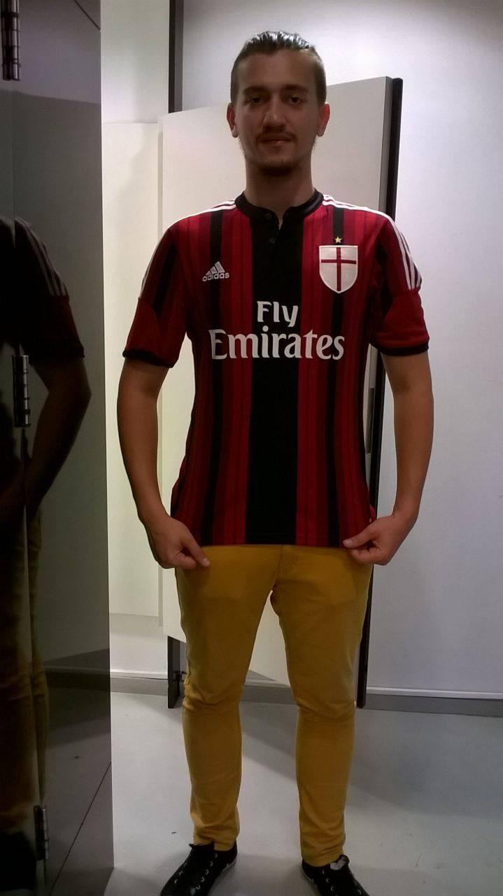 """Pierluigi """"Gigi"""" Testerini a absolvit Jurnalismul și este un mare fan al formației AC Milan (Foto: Arhivă personală)"""