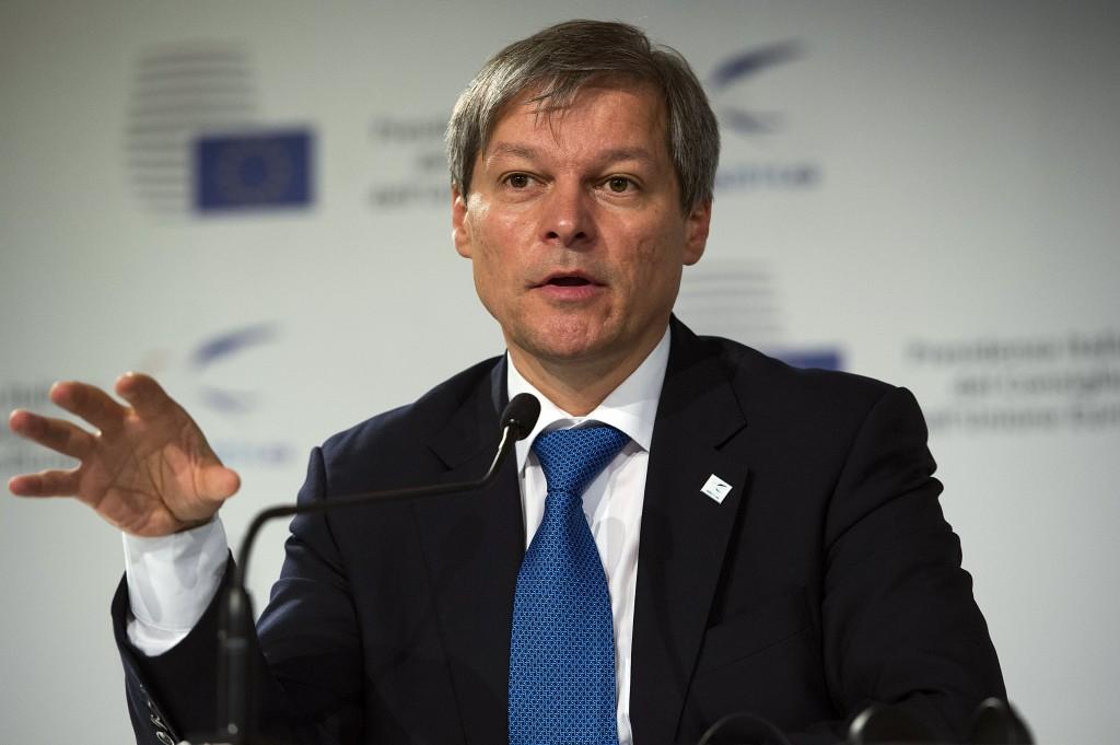 Comisarul Dacian Cioloș