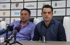 Mihai Teja (foto,   în dreapata) va prelua funcţia de manager general la Universitatea,   după ce Marius Popescu (foto,   în stânga imaginii) a fost demis de administratorul judiciar / Foto: Dan Bodea