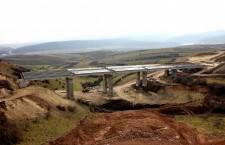 Cel mai mare viaduct are o lungime de 200 de metri. Inițial,   în locul strcturii era un deal / Foto: Dan Bodea