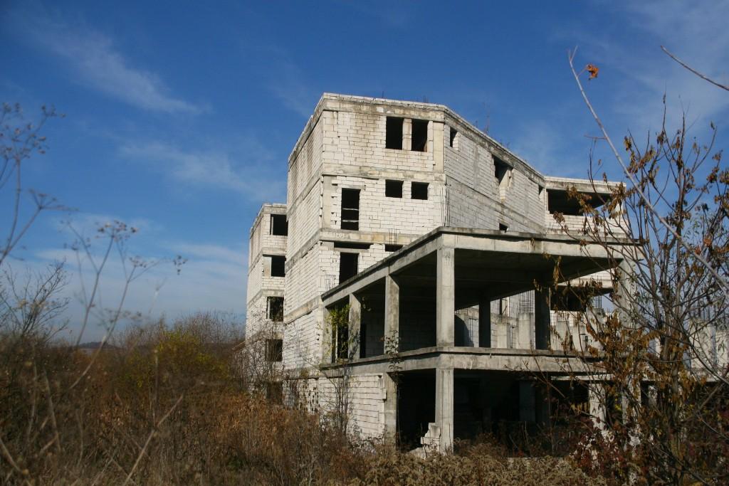 Spitalul, constructie abandonata (28)