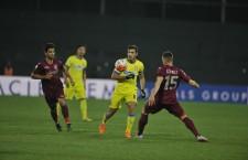 Înfrângerea administrată de CFR Cluj Stelei,   scor 2-0,   i-a convins pe oficialii campioanei să caute întăriri în lotul echipei lui Francisc Dican / Foto: Dan Bodea